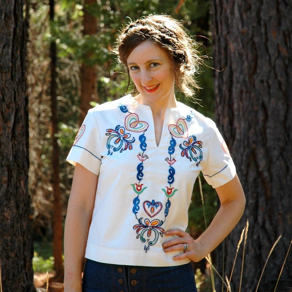 1970s Vintage Folk Blouse... 70s Embroidered Top... LOVE BIRDS (s/m)