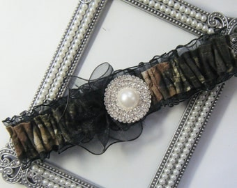 Black TOSS Mossy Oak CAMOUFLAGE wedding garter Deer Camo garters