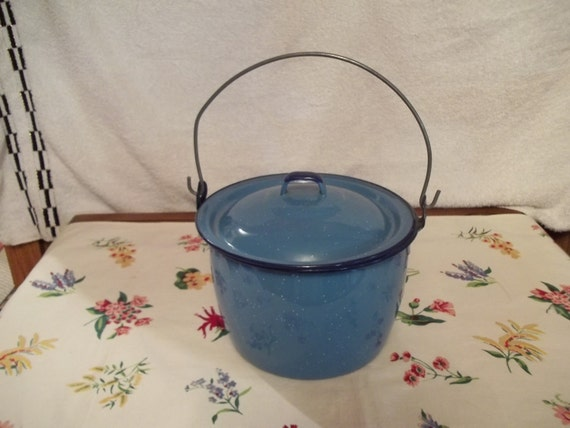 Vtg Enamelware Pail w/Lid, Wire Handle, Farmhouse kitchen, Teal Turquoise