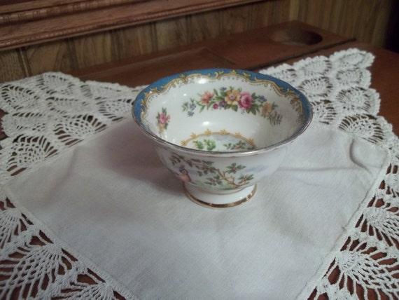 Elegant, 1940s, Bone China Sugar Bowl, Royal Albert, England, Chelsea Bird