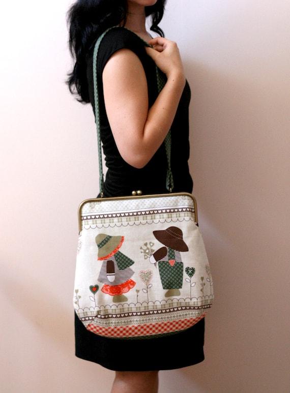 LARGE SHOULDER BAG - Childern's print. large clutch purse.metal frame bag.vintage print bag.kiss lock handbag.green clutch