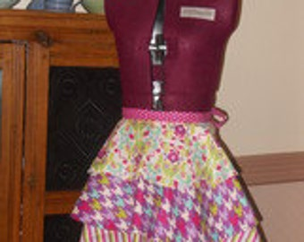 Retro Apron with a Modern Flare in Pink.