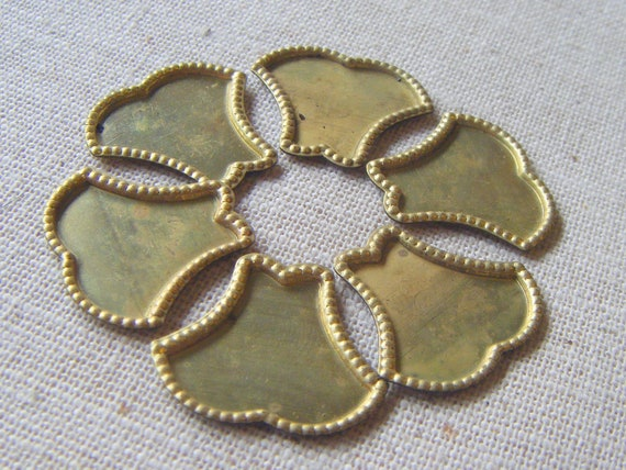 Vintage Raw Brass Tulip Scallop Shaped Setting/Frame (8) Steampunk, Victorian