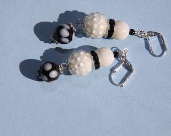 "2"" 1/2 L Black N White vintage style dot bead dangle earrings"
