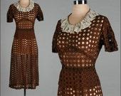 Vintage 1940s Dress . Brown . Lace . Eyelet . Circles . M/L . 2296
