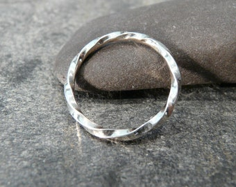 Sterling Silver Contemporary Twisted Pattern Band