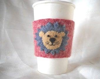 Lion Coffee Cozy