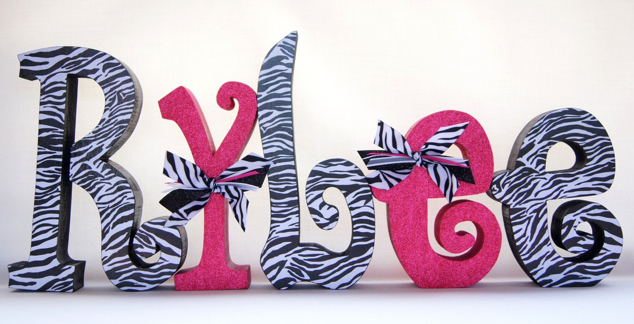 Letters wall decor zebra print decoration news for Decoration zebre