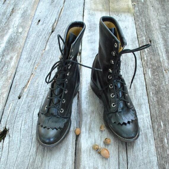 Lace Up Boots Sz 5  //  Fringe Ankle Boots  //  BLACK LAREDO
