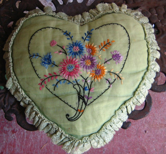 Heart flower1920s 1930s Boudoirs Pillow Great For your Ring  Bearer Sweet Chic Setl