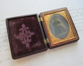 antique cased photo - LiTTLE GIRL - thermoplastic union case - gutta percha - circa mid 1800s - daguerrotype