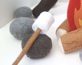 2 Marshmallows on sticks felt food play set
