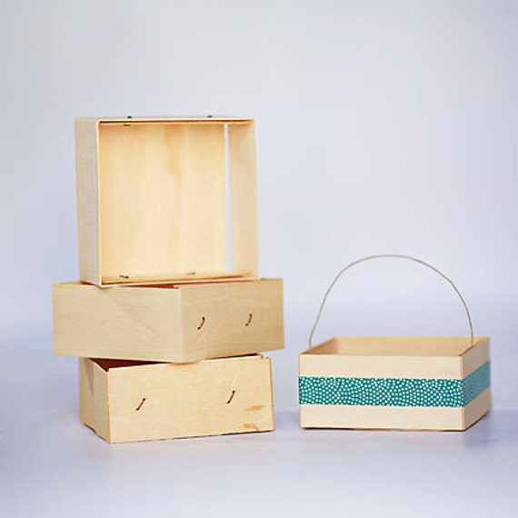 1 Sample box - 1/2 Pint Size Wooden Berry Box