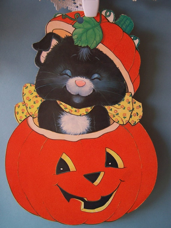 Vintage halloween decoration cat popping out of jack o for Antique halloween decoration