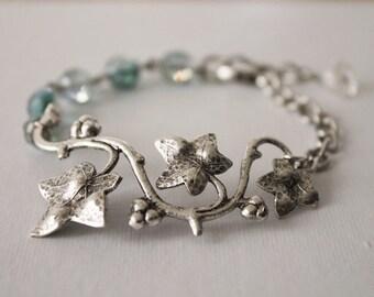 Ivy Bracelet. ivy leaf bracelet. silver ivy bracelet. ivy vine bracelet. antique silver ivy charm with faceted beads. gift for mom
