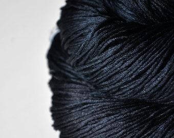A dark storm is coming  - Silk Fingering Yarn - Knotty skein