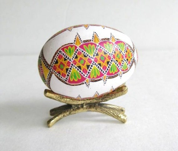 Pysanka,  batik egg on chicken egg shell, Ukrainian Easter egg, hand painted egg