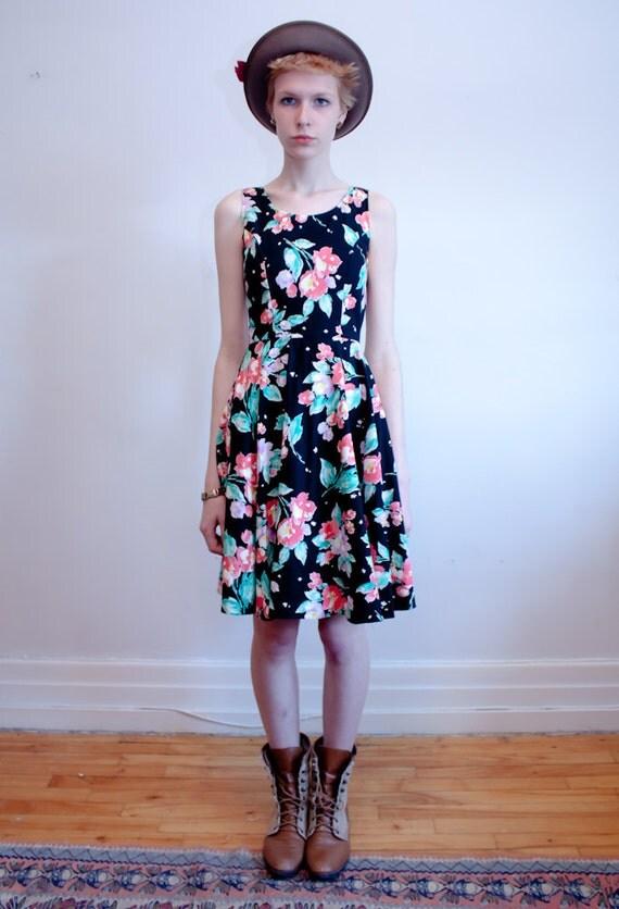 SALE - 1990s floral dress / black floral skater dress / XS