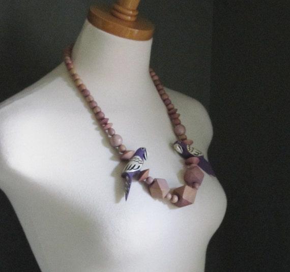 10 Dollar Sale - Vintage 80s PARROT Wood Bead Necklace