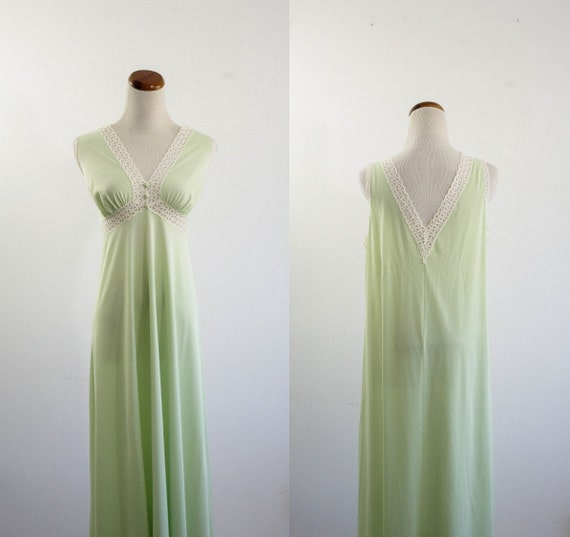 Vintage Long Nightgown -- 70s Green and Lace Nylon Lingere -- Medium Large