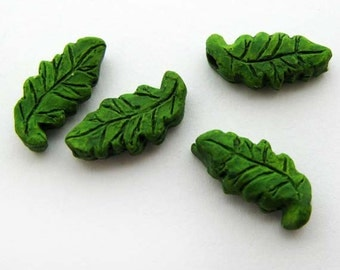 4 Tiny Ceramic Beads - Green Leaf