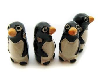 10 Large Penguin Beads - LG48