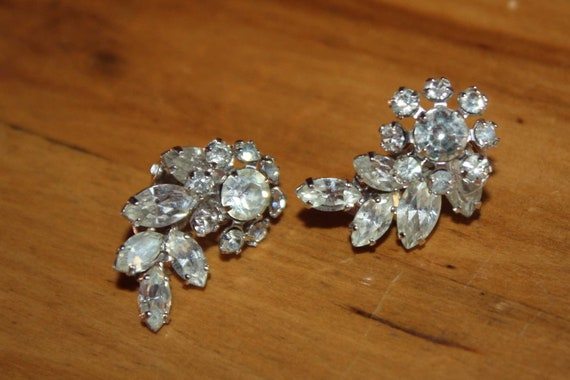 Vintage signed Sherman rhinestone earrings clip