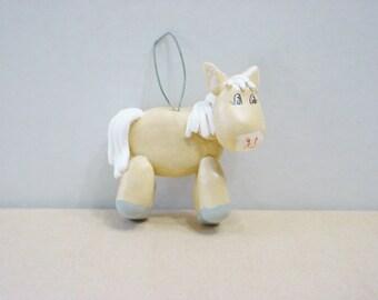 Cute horse ornament.001208