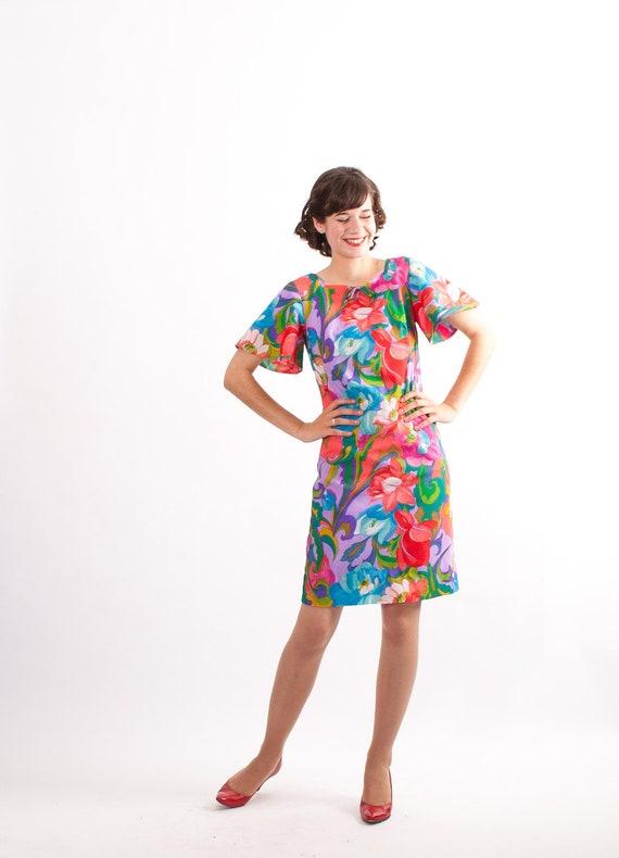 Vintage 1960s Hawaiian Dress - 60s Floral Dress - Tropical Floral Print