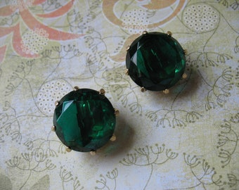 Gorgeous Green Fifties Glamour Clip On Earrings