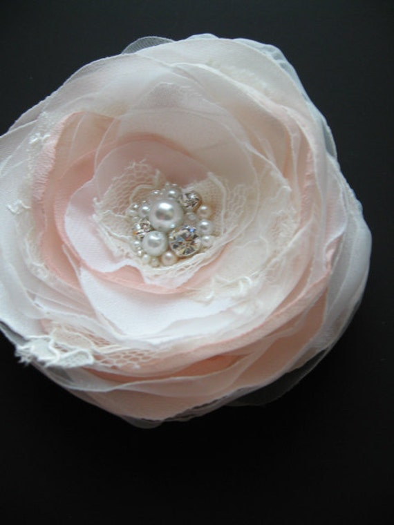 Wedding vintage inspired bridal hair accessory Brooch and Hair clip 2in1 Ivory  blush  Flower lace Rose fascinator sash gown pin
