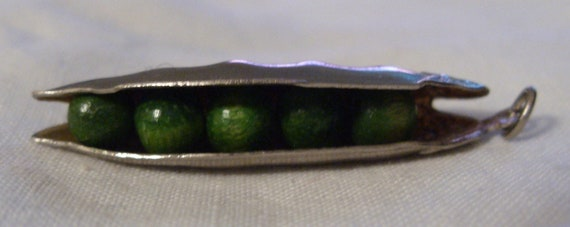 Wonderful - Peas in a pod - pendant charm - c1930s