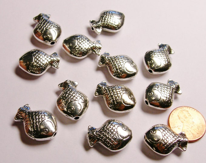 Silver color  beads hypoallergenic- 6 pcs - big  engraved silver fish beads - ZAS 84