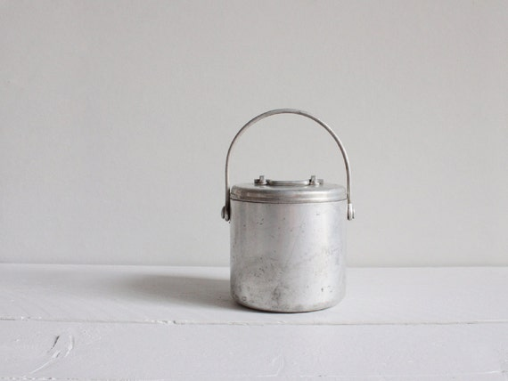 Vintage lunch box, Aluminum canister