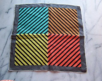 50s Handkerchief in Diamond Chevron Pattern