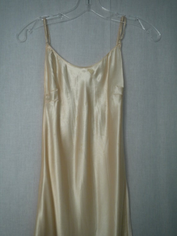 HELD FOR GEMMA: Vintage 50s 60s Slip Dress in Peach Rayon Satin size 32