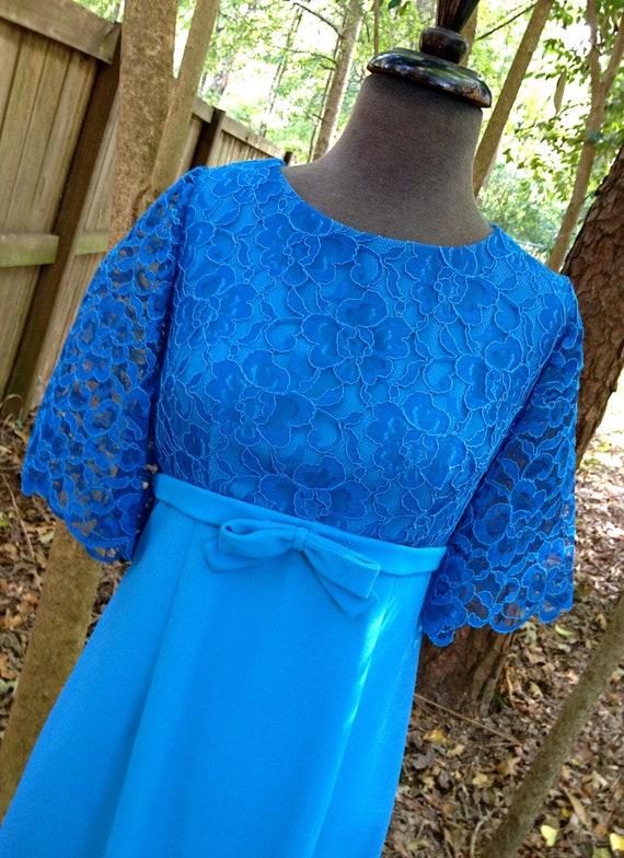 vintage lace party dress - bright blue 1950s bow-front dress