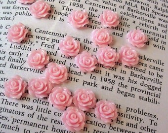 Light Pink Resin Flower Cabochon 10mm