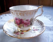 Royal Windsor Tea Cup and Saucer -Red Pink Roses Teacup - TrashMaMa