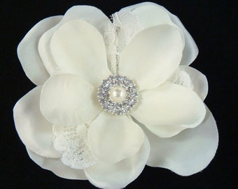 Bridal Ivory Flower with LACE and RHINESTONES / bridal ivory lace flower hair clip / bridal ivory hair flower