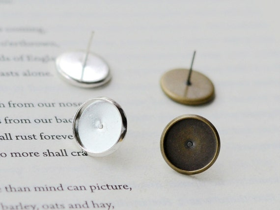 Brass Post Earring 8mm Round Bezel Cup Cabochon Mountings, 50PCS, 2 colors are available- antique bronze (EZ04), silver (EZ09)