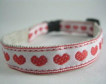 "Red Hearts organic cotton 1/2"" collar"
