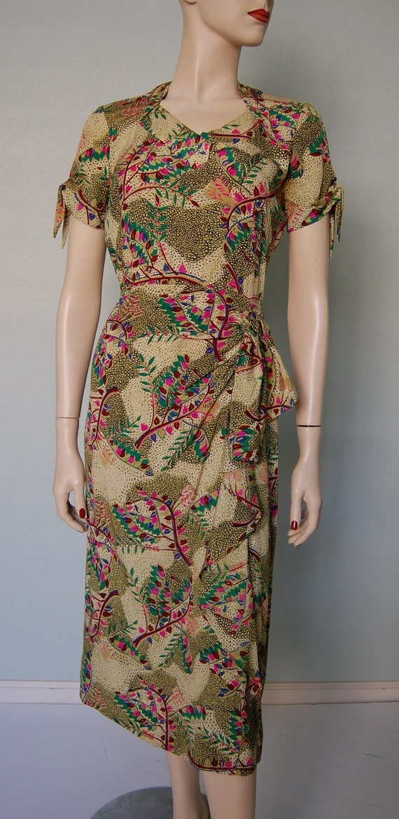 1940s Rayon Crepe Novelty Print Adorable Dress with Cascading Side Swag - Details - Retro Glamour Gal