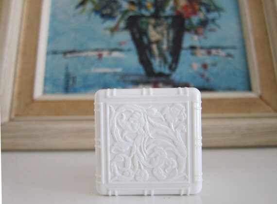 Vintage Plastic Ring Box Ivory Color