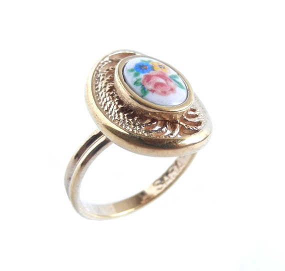 Vintage Flower Ring -  Adjustable Filigree Gold Tone Ceramic Cabochon Jewelry / Dainty Floral