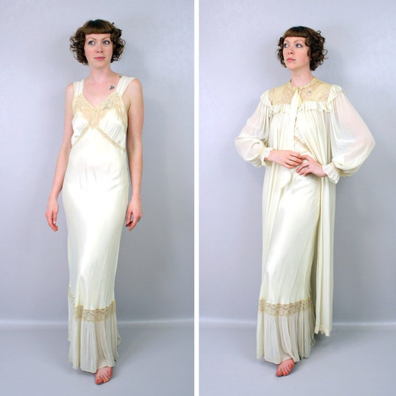 vintage 1940s peignoir set / nightgown & robe dressing gown / hollywood nights