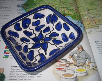 Hand painted Trinket or Candy Dish - Tunisian Folk Art/ Ceramic North African Pottery