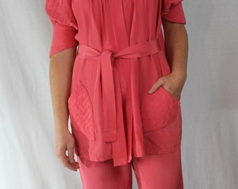 Pajamas lounge wear 2 piece set salmon coral colored belted quilting has pockets fabulously Hollywood 1950's dramatic bed jacket size S