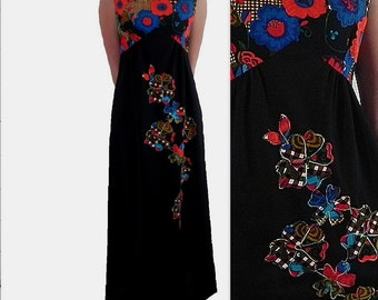 Maxi Length Dress with Patchwork Appliques Vintage 1970s Size Small