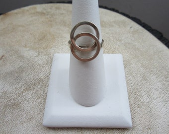 Sterling Silver Overlapping Circle Ring